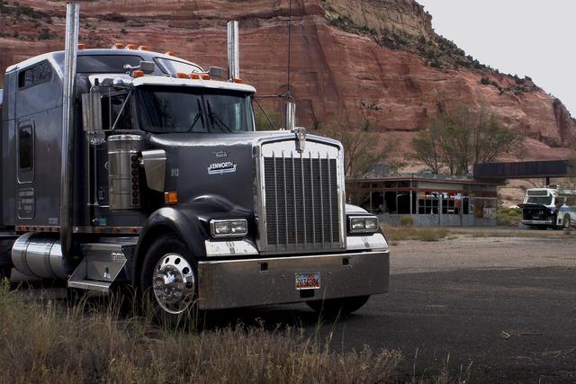Big truck tractor trailer industry, industry craft.