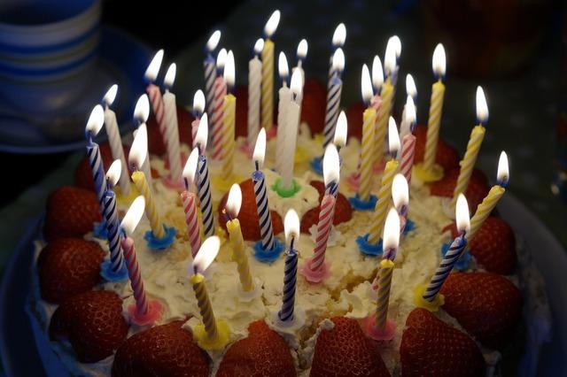 Birthday cake burn candles.