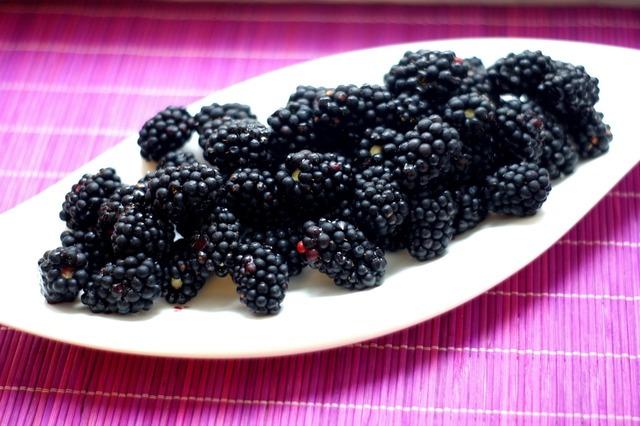 Blackberries wild berries berry, food drink.