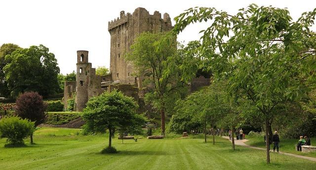 Blarney castle castle ireland.