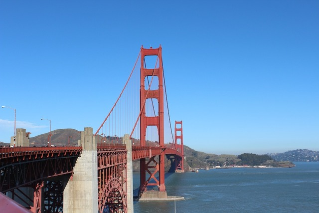 Blue sky bridge golden gate.