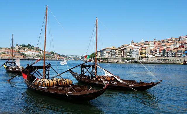 Boat ancient barrel, transportation traffic.