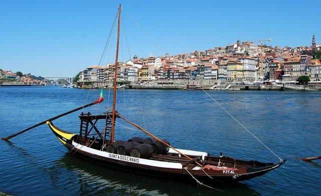 Boat ancient oporto, transportation traffic.