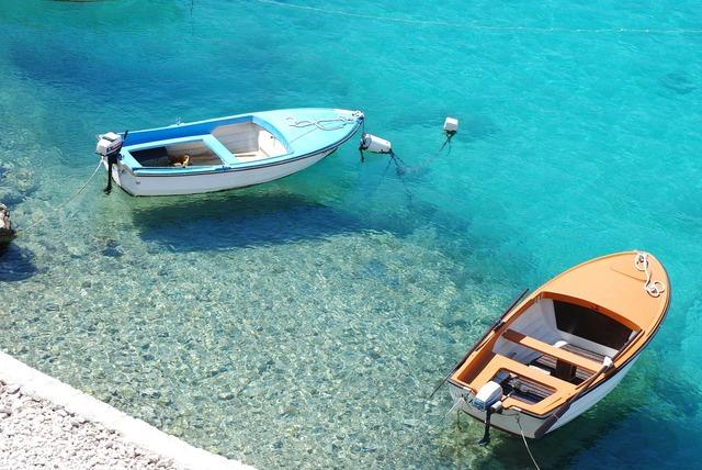 Boat boats ship.