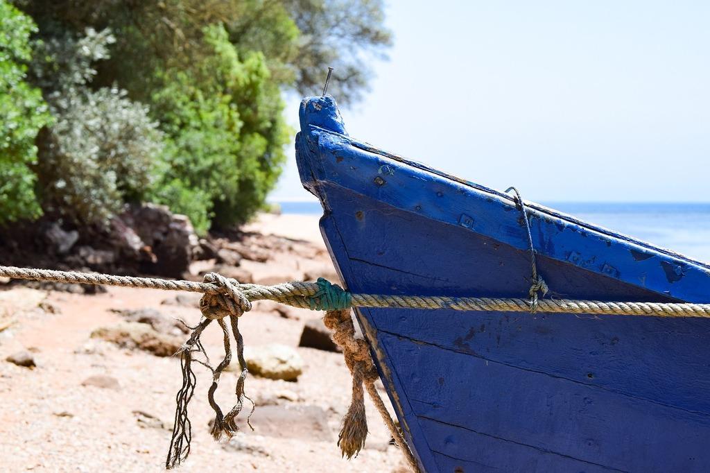 Boat mooring rep, travel vacation.