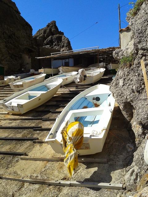 Boats jetty blue.