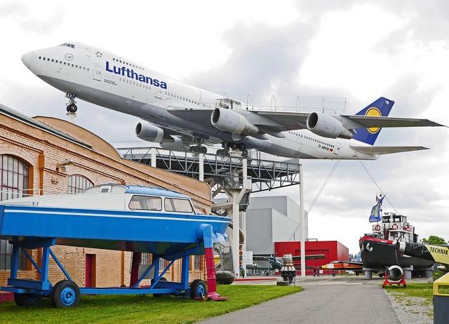 Boeing 747 jumbo jet museum.