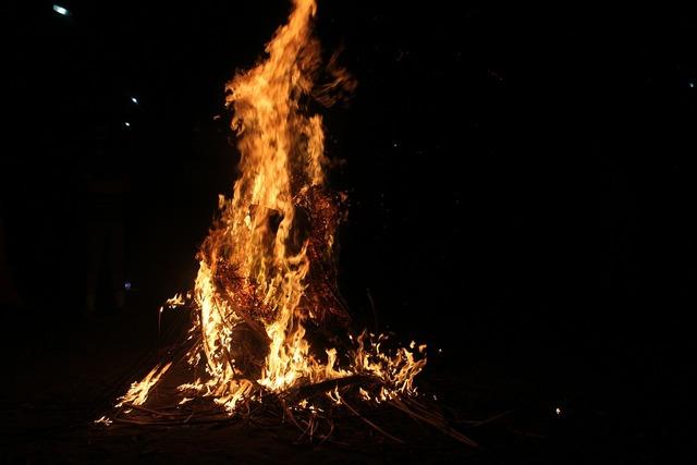 Bonfire dark darkness.