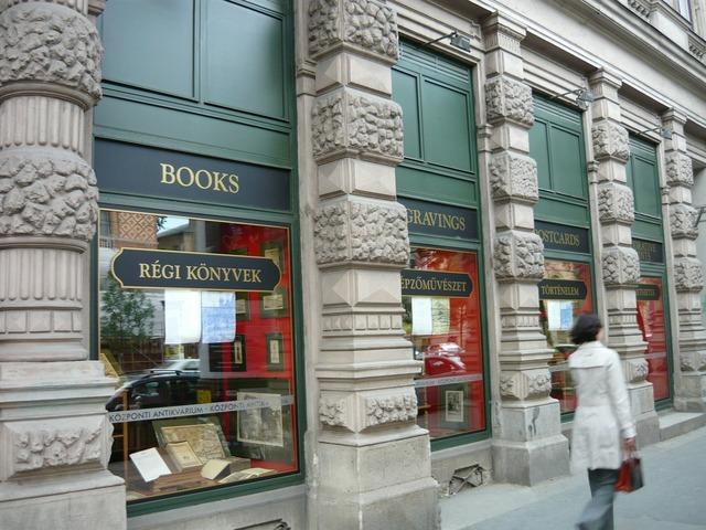 Bookstore antiquariat woman, beauty fashion.