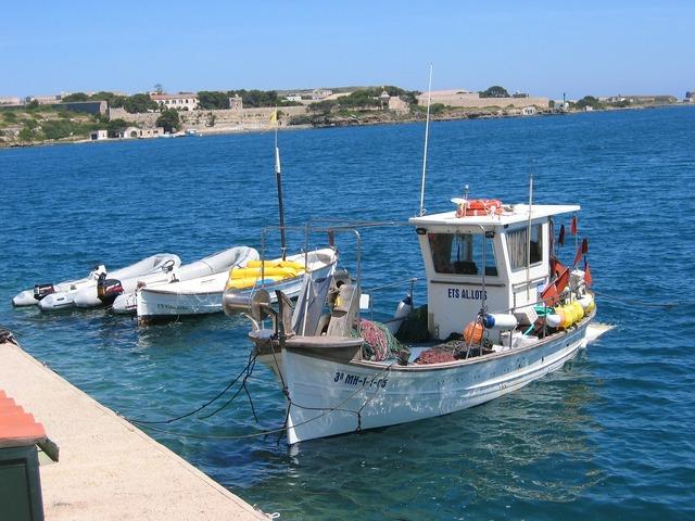 Boot sea fishing boat.