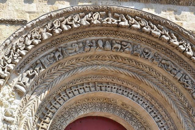 Bordeaux church vault, religion.