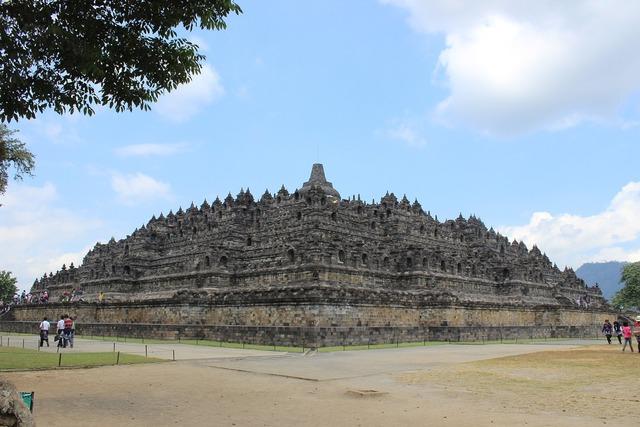 Borobudur temple indonesia, religion.