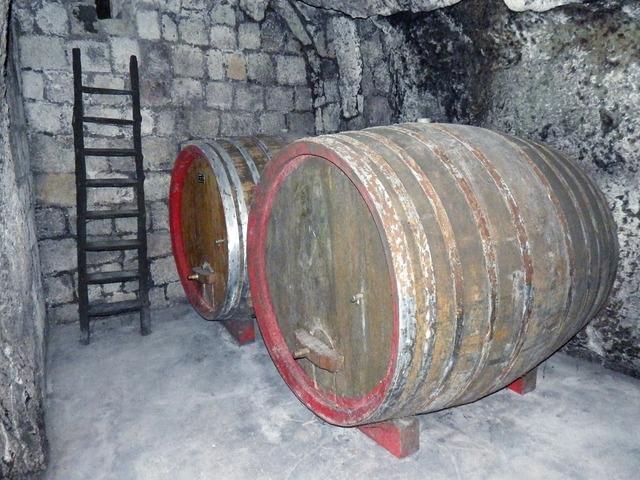 Botte cellar wine.
