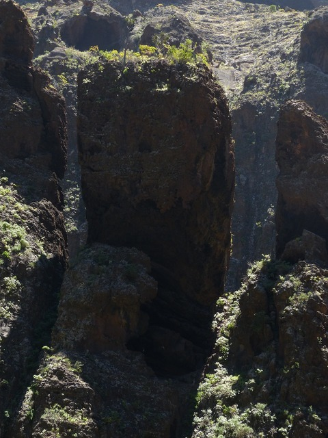 Boulders rock masca ravine.