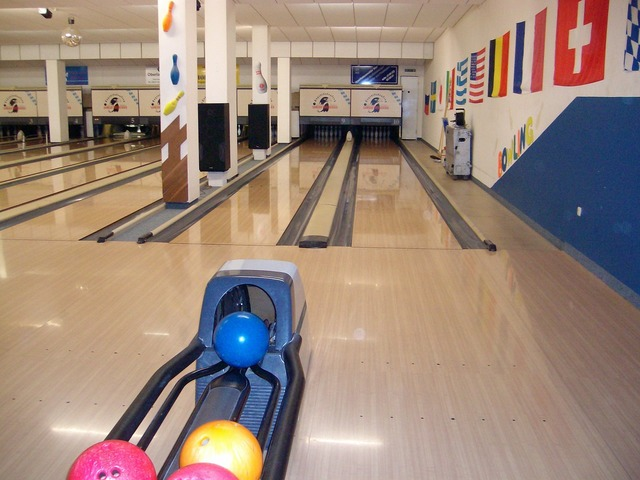 Bowling leisure bowling alley.
