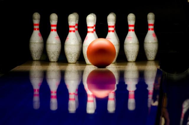 Bowling pins ball, sports.