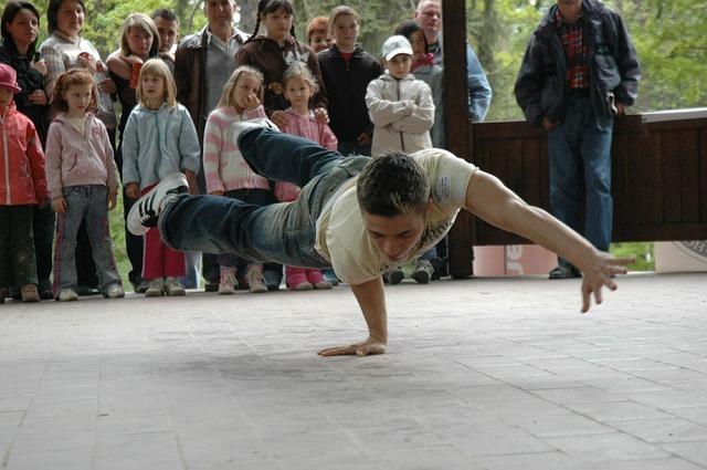 Breakdancing dance dynamic, sports.
