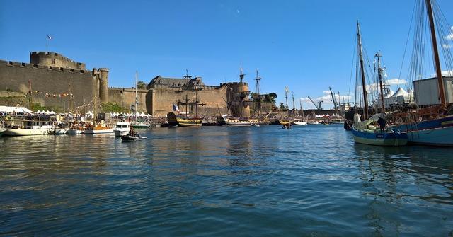 Brest port military.