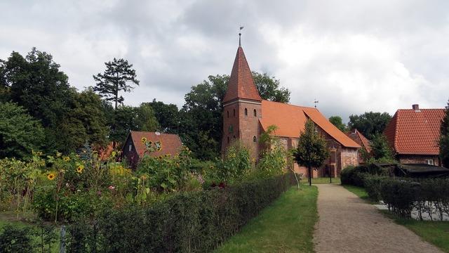 Brick buildings brick radtour lung church, religion.
