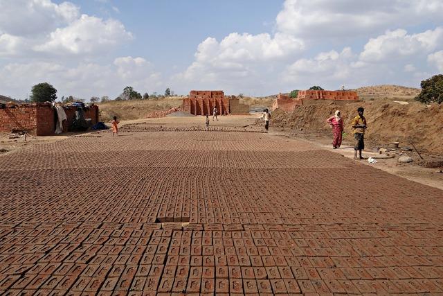 Brick-laying brick-making brick-kiln, industry craft.
