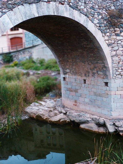 Bridge arc romanesque.