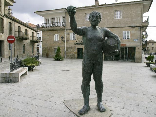 Bronze statue plaza orense, architecture buildings.