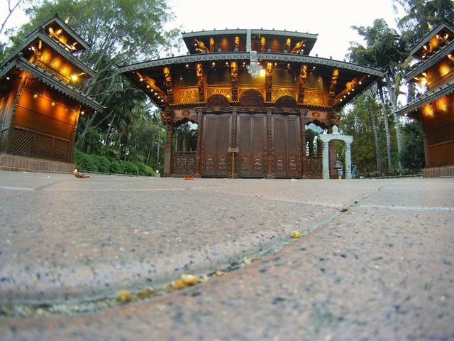Buddhist temple brisbane, religion.