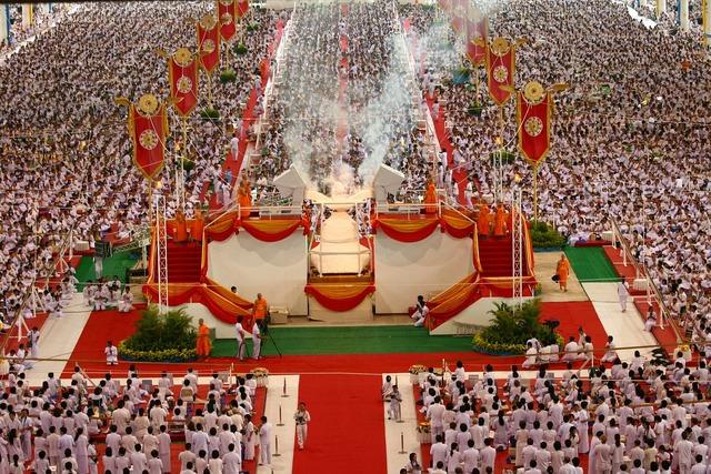Buddhists crowd meditate, people.