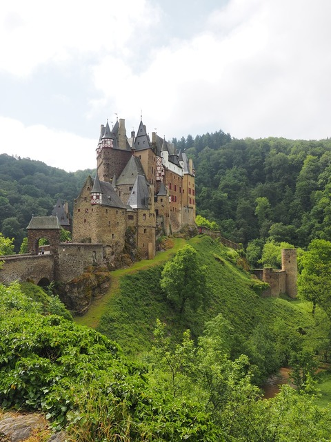 Burg eltz castle middle ages.
