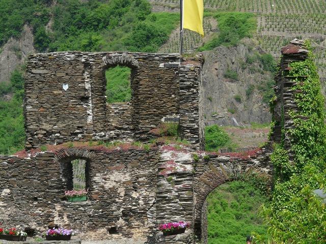 Burg metternich castle ruin.