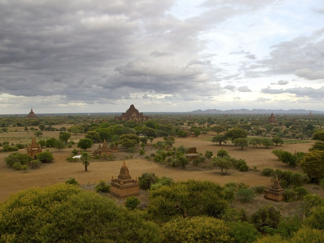 Burma bagan temple, religion.