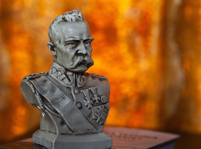 Bust jozef pilsudski chief, places monuments.