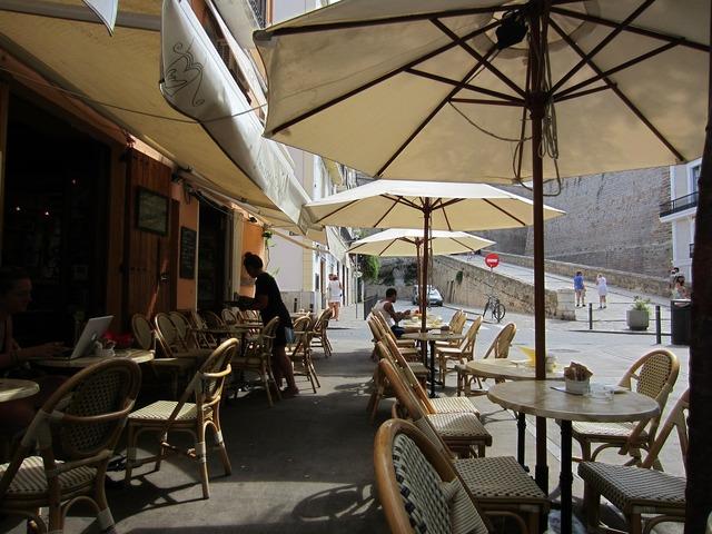 Café pavement cafe al fresco.