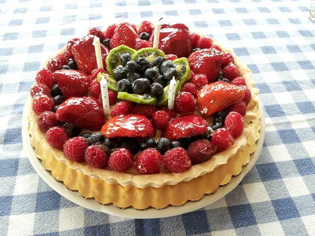 Cake birthday tart, food drink.