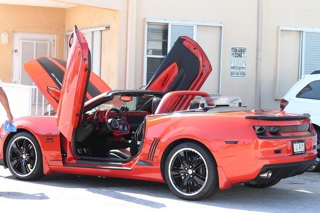 Camaro chevrolet sports car.