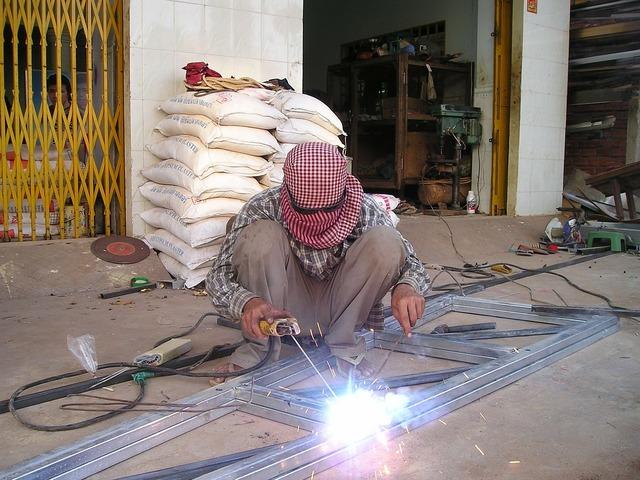 Cambodia welder weld, industry craft.