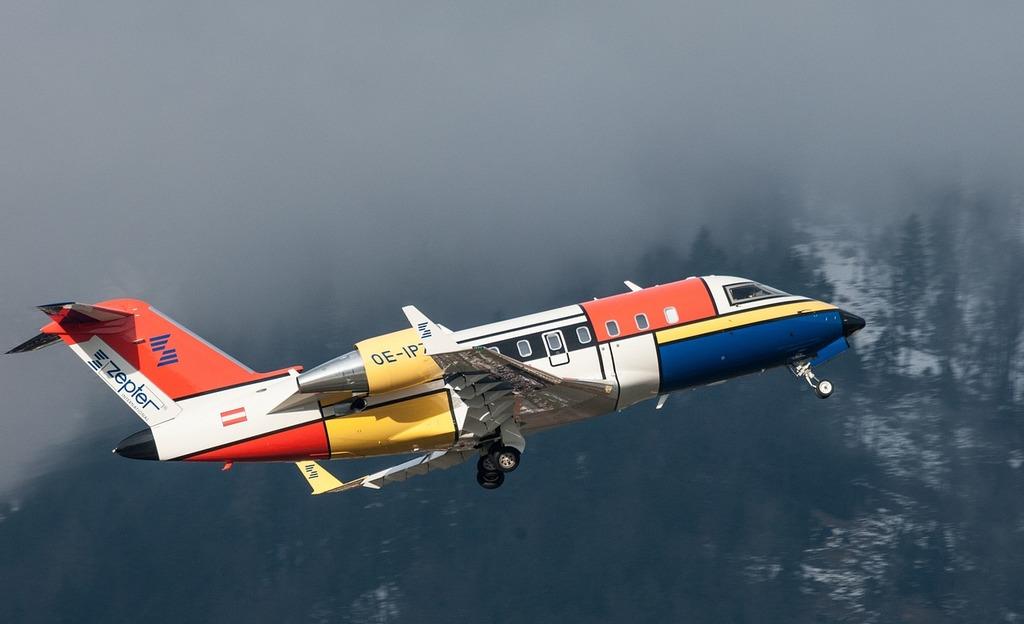 Canadair challenger aircraft, transportation traffic.