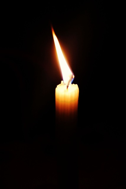 Candle vela fire.