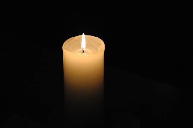 Candlelight prayer desire.
