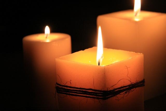 Candles calls meditation.