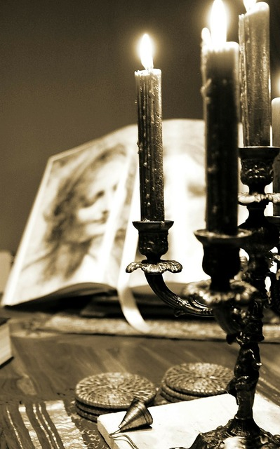 Candles candlestick book.