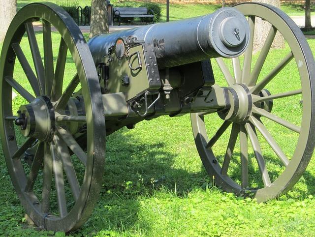 Cannon civil war outdoors, places monuments.