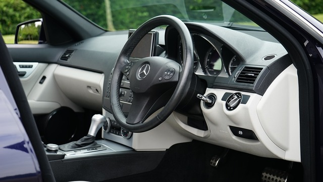 Car steering wheel steering, transportation traffic.