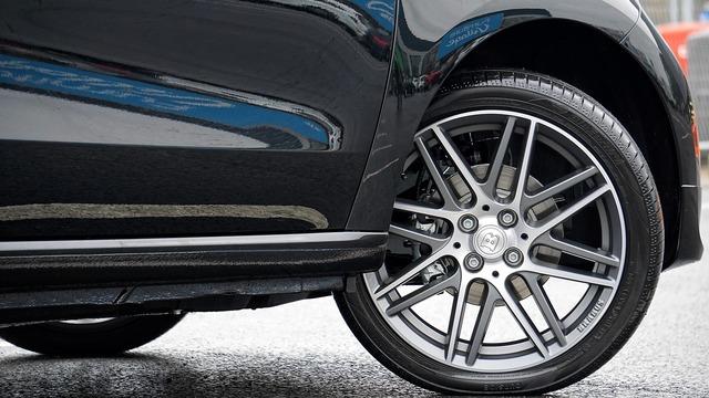 Car wheel vehicle, transportation traffic.