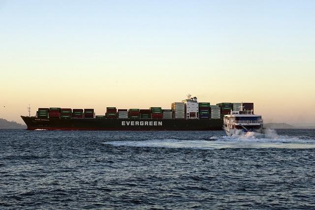 Cargo liner ship transportation, transportation traffic.