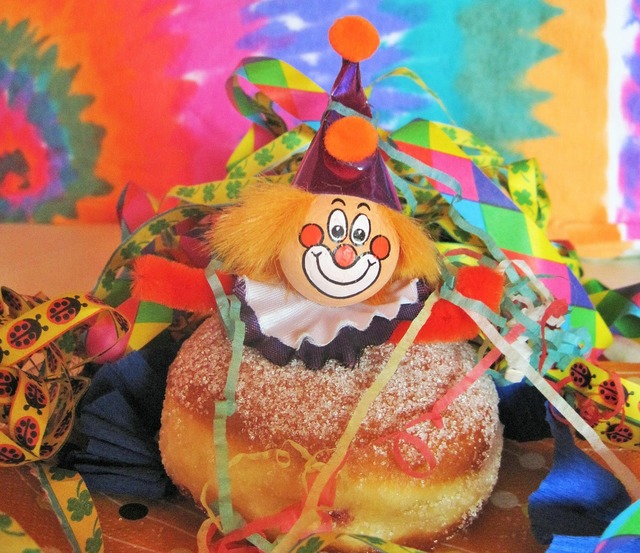 Carnival berlin carnival clown kunterbunt.