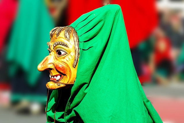 Carnival the witch mask.