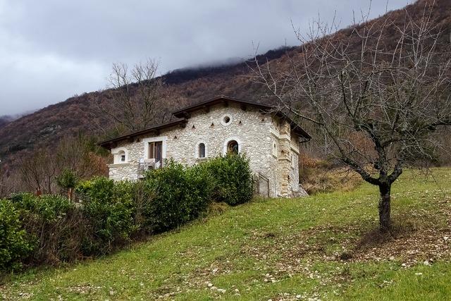 Castel di tora rieti lazio, architecture buildings.