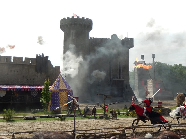 Castle battle middle ages.
