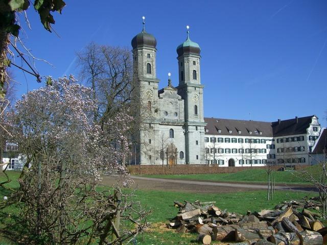 Castle church friedrichshafen garden.